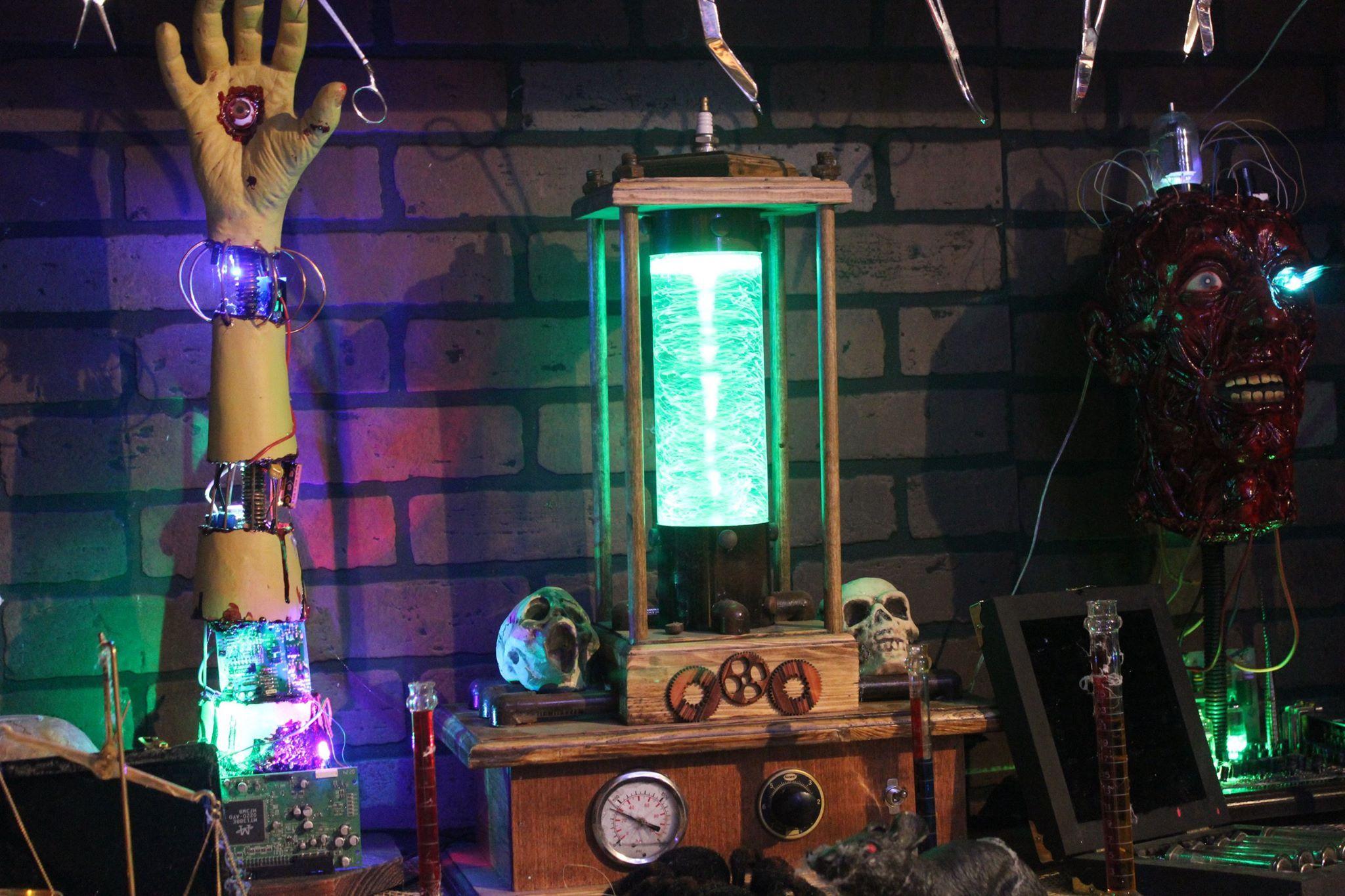 Halloween Lab (Sheldons Terror