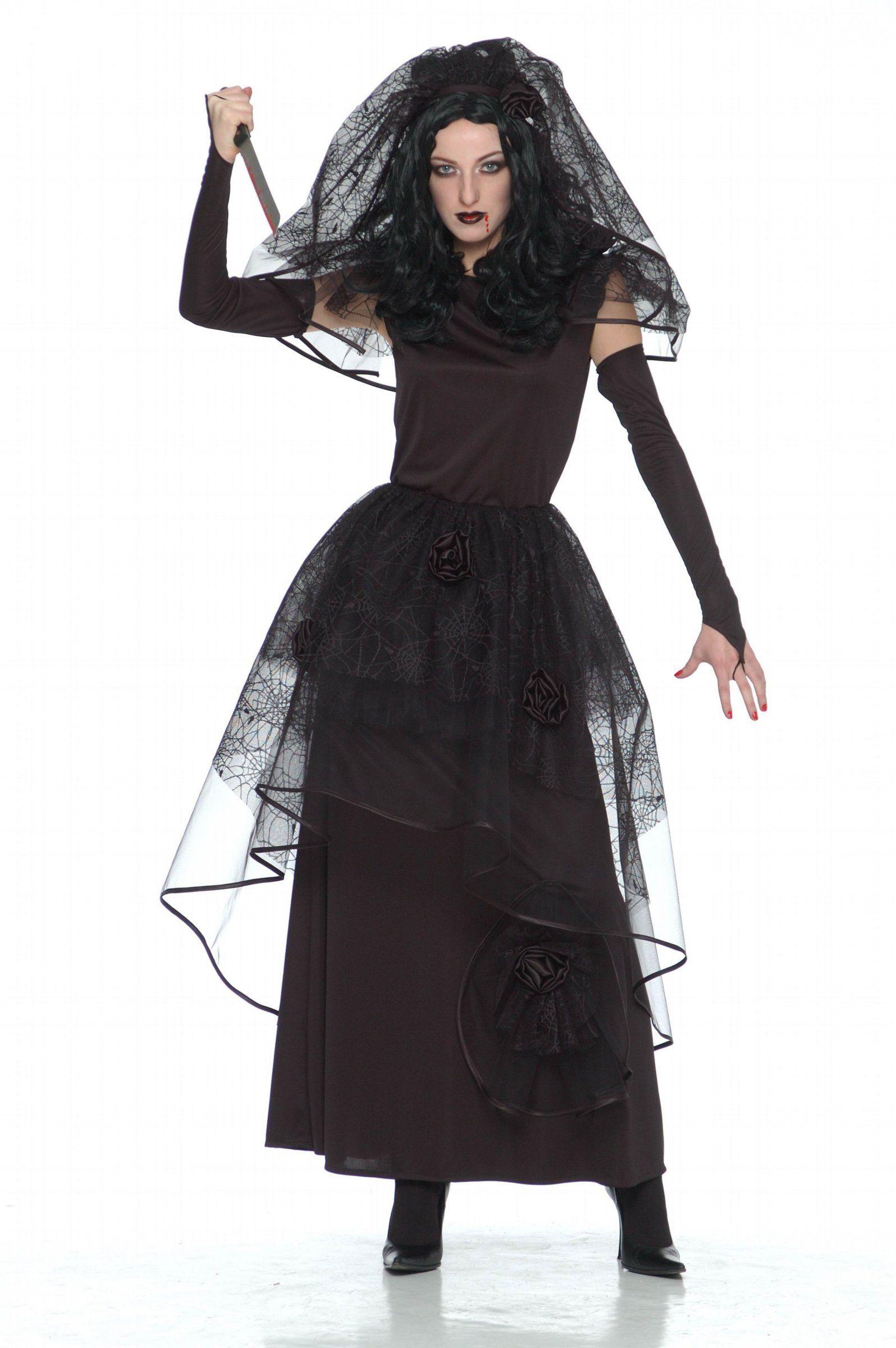 Customiser une robe noire pour halloween