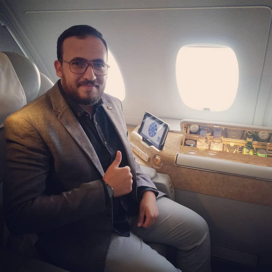 داخل اكبر طائرة ركاب في العالم من طراز ايرباص A 380 قادمة من دبي Egypt Emirates Airbus Airbusa380 Cairoin Airbus Fictional Characters Character