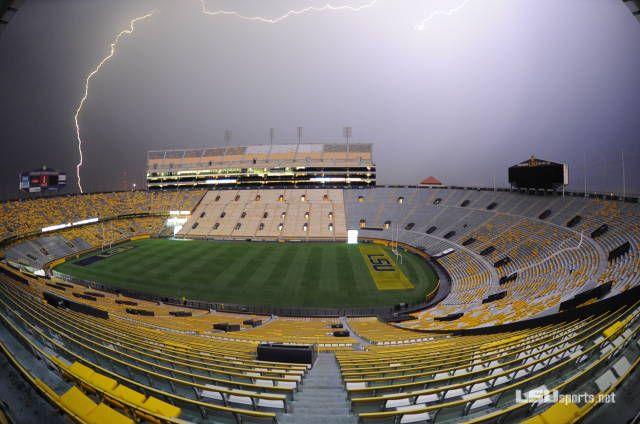 Tiger Stadium With Lightning Lsu Football Lsu Tigers Football Lsu Fans