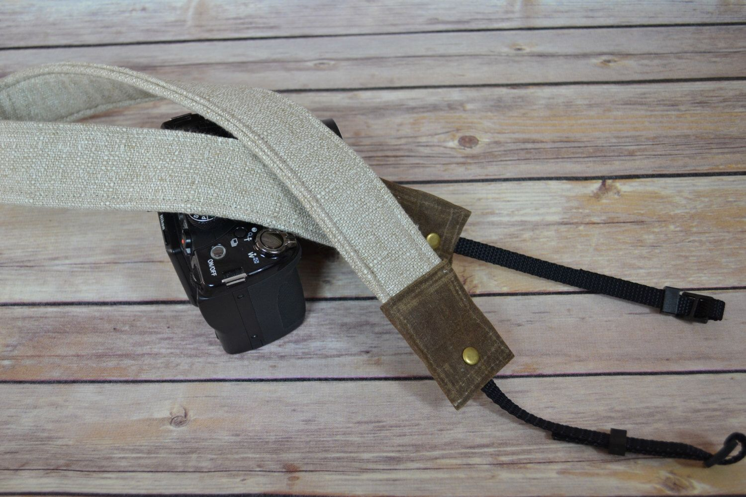 French Linen and Waxed Canvas Camera Strap, narrow / padded with foam /  Darby Mack / dslr gear / photography / Stone / natural minimalist by DarbyMack on Etsy https://www.etsy.com/listing/180154423/french-linen-and-waxed-canvas-camera