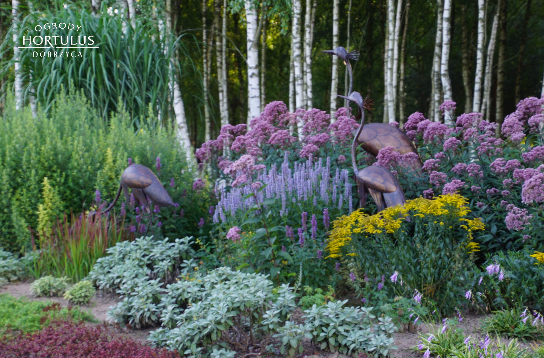 Inspiracja Do Ogrodu Pomysl Na Ogrod Rabata Bylinowa Ogrod Nowoczesny Sztuka Ogrodowa Figura Plants