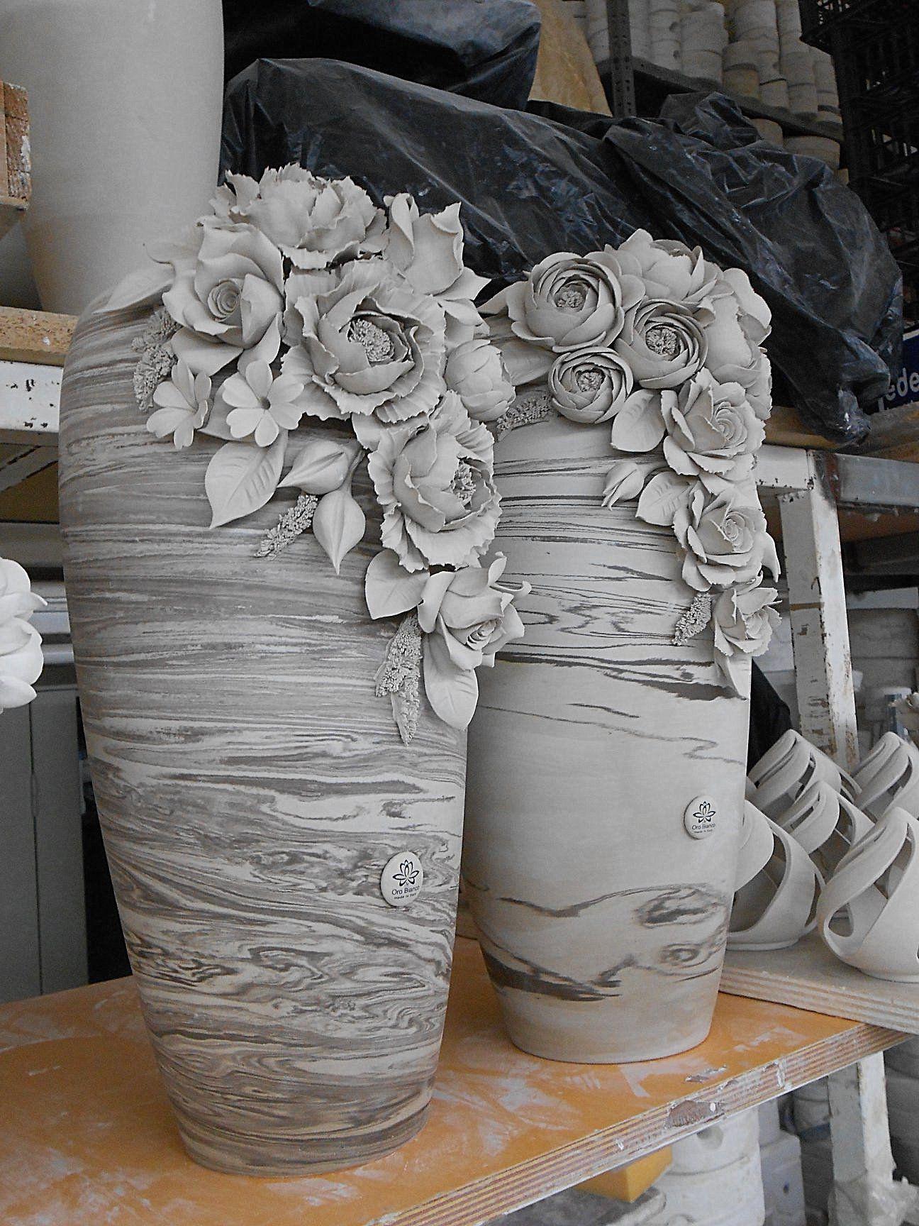 Altri piccoli oggetti in ceramica che trovo deliziosi. Vasi E Complementi In Porcellana Fatti A Mano Piccoli Capolavori In Porcellana Di Capodimonte U Creazioni In Argilla Sculture In Ceramica Sculture Di Argilla