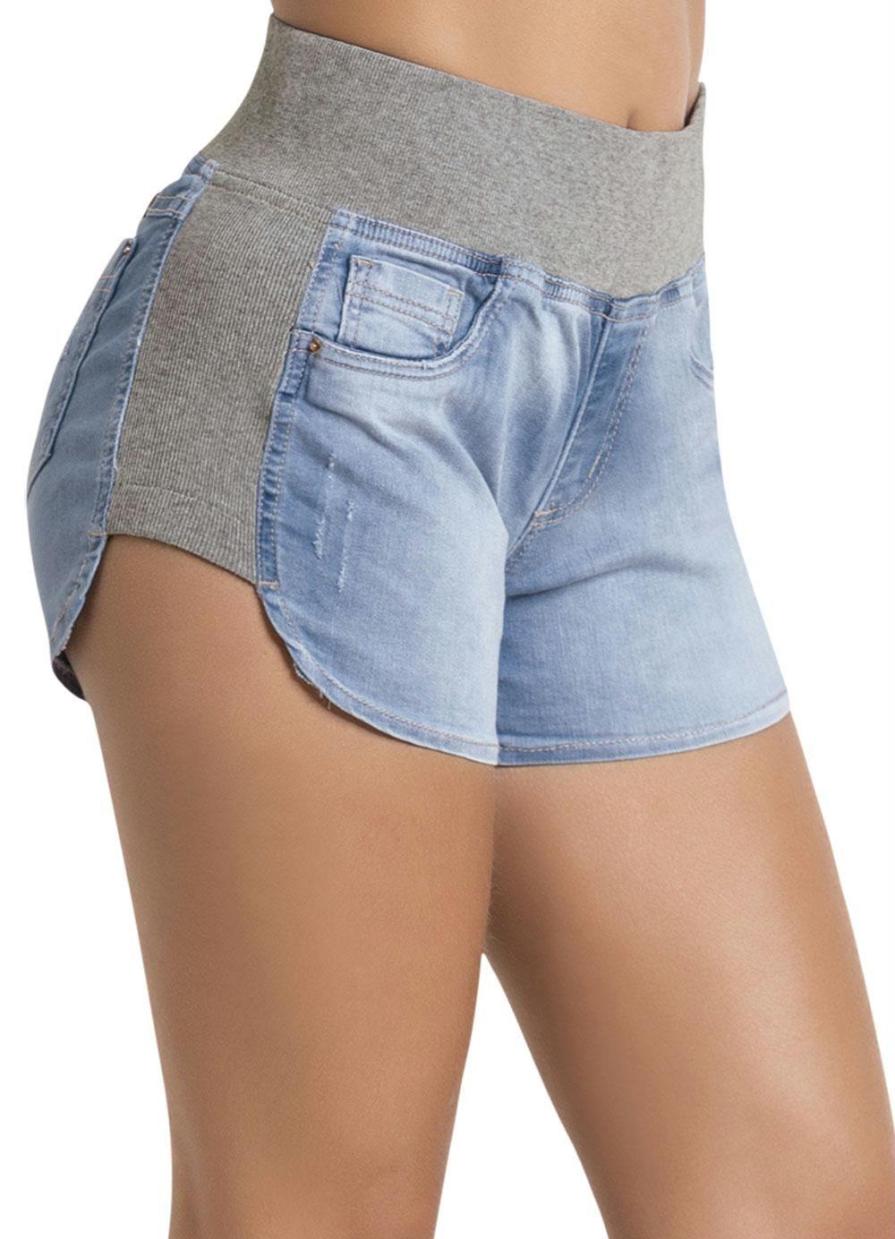 c09a790cf7 Shorts Jeans Sawary Azul e Cinza Boyfriend - Multimarcas. Confeccionado em  jeans com elastano.