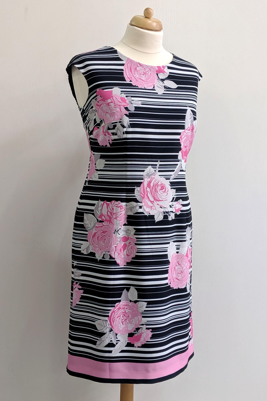 aufwändig bedrucktes kleid mit rosenmotiv. | kleider