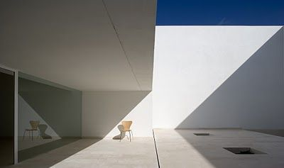 Modern Architecture in Spain: The House of Light and Shade