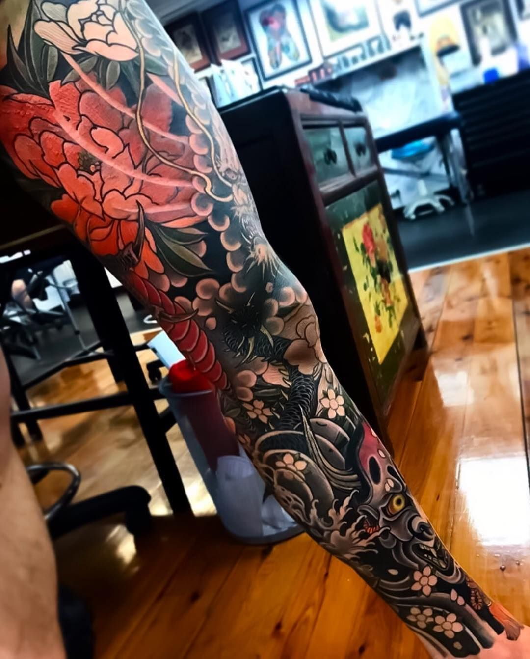 L Image Contient Peut Etre Une Personne Ou Plus Leg Sleeve Tattoo Traditional Japanese Tattoo Sleeve Japanese Tattoo