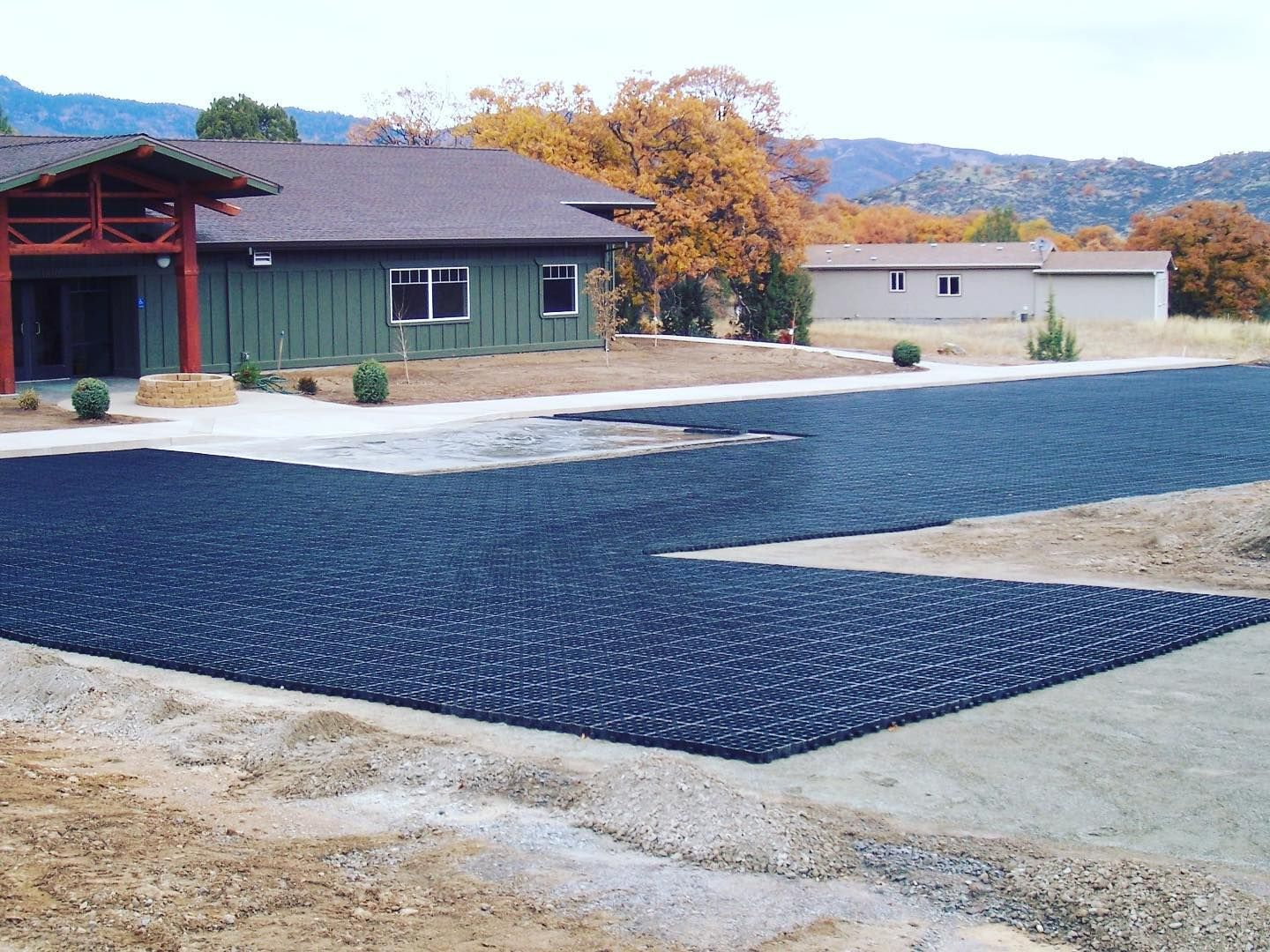 Does Your Parking Area Constantly Have Mud Water Or Potholes Our Permeable Grid System Is Designed For Ground Stabilizati In 2020 Plastic Grid Versigrid Paddock Mud