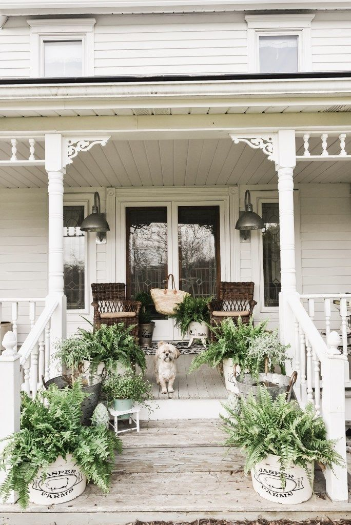 35 Magical Spring Porch Decor You Must Have #smallporchdecorating