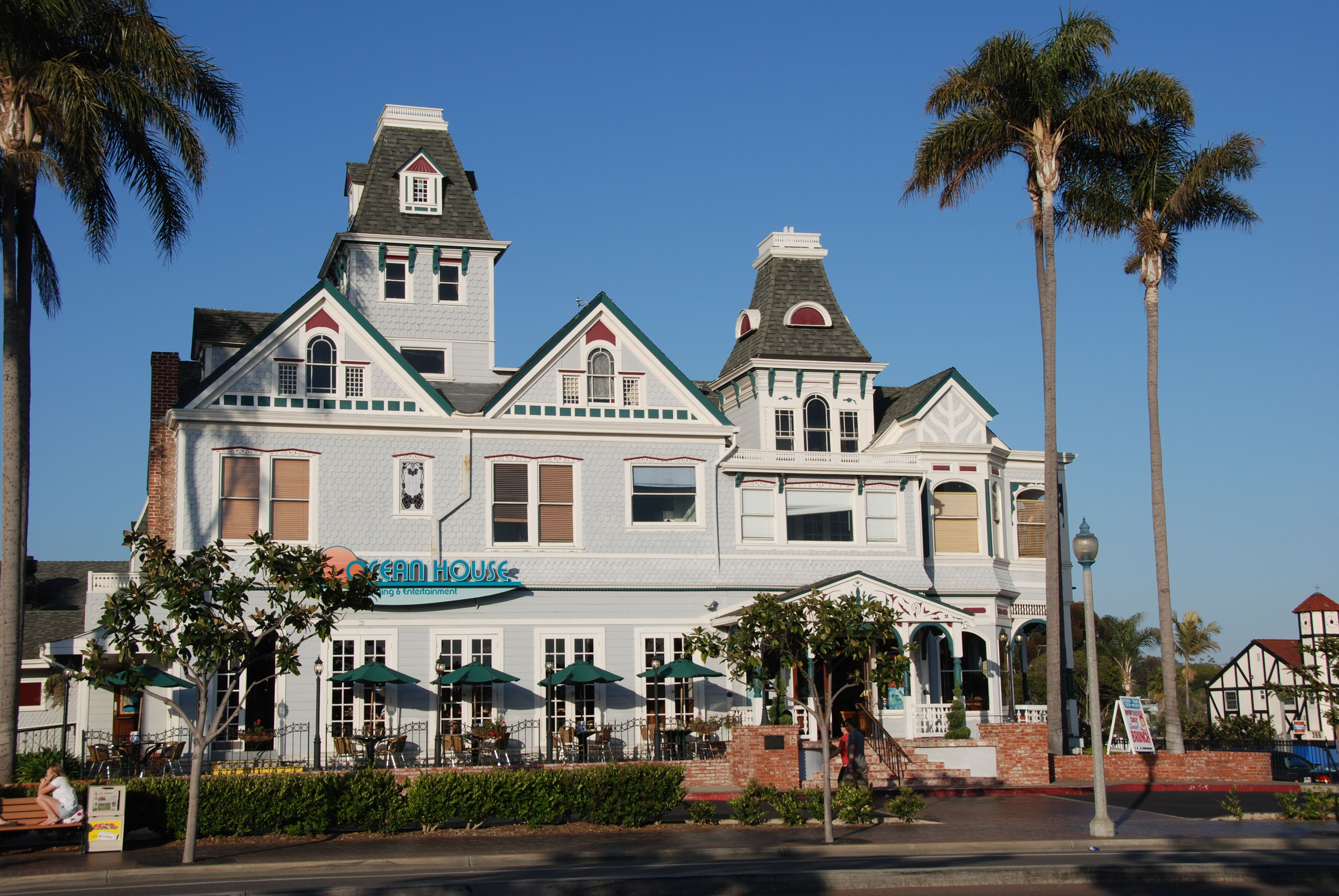 Ocean House Restaurant was formerly known as the Twin Inns in 1900!