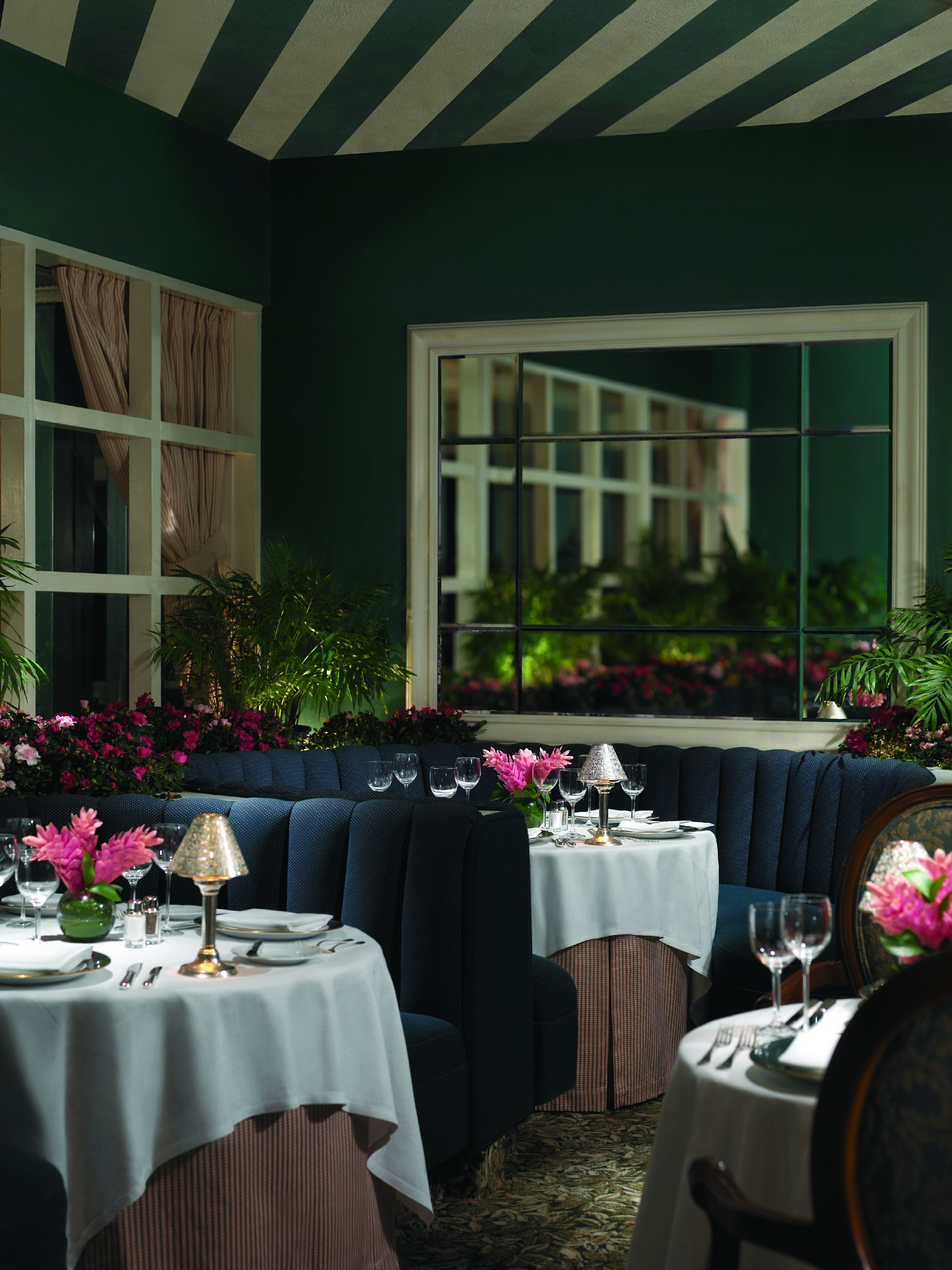 Beverly Hills Hotel Polo Lounge Places
