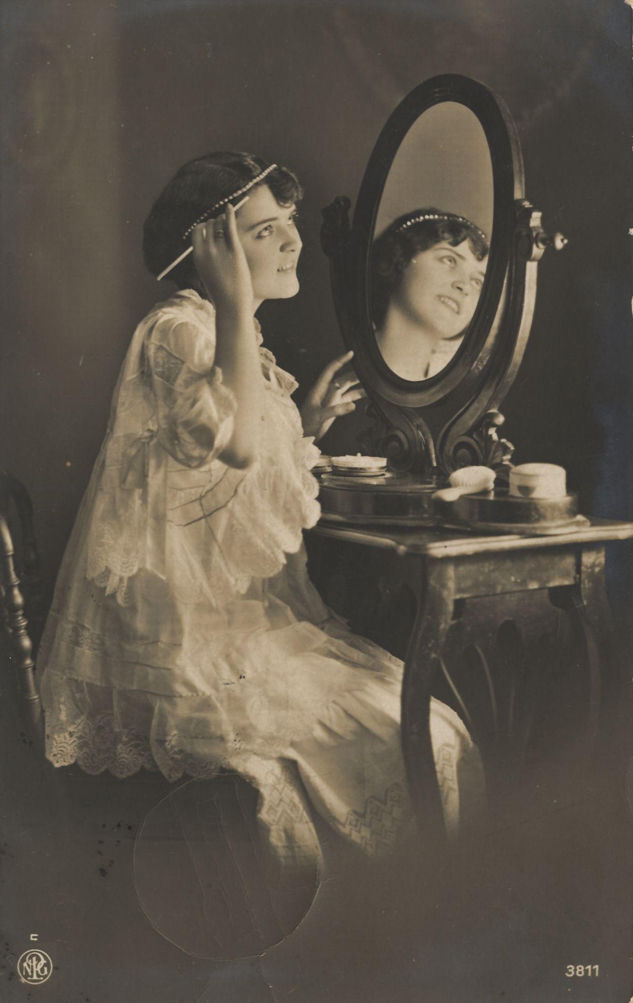 Vintage Woman In Boudoir By Mementomori Stock On Deviantart Vintage Vanity Vintage Ladies Vintage Photography