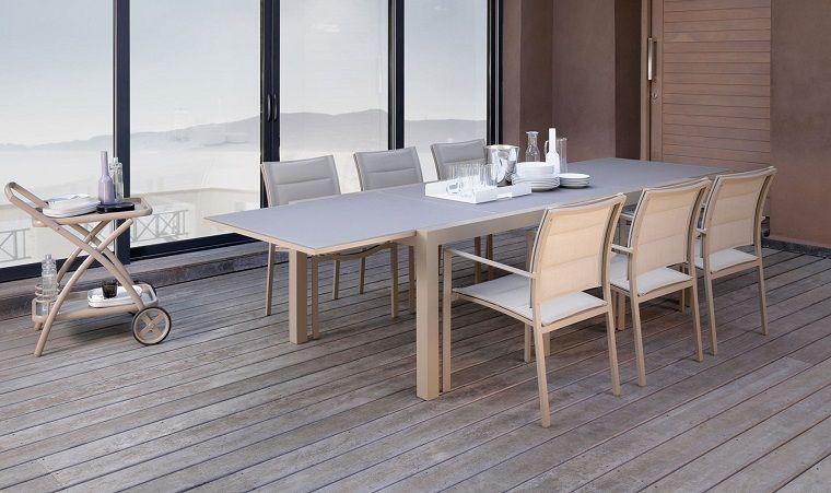 arredare-terrazzo-appartamento-tavolo-sedie-eleganti | Terrazze e ...