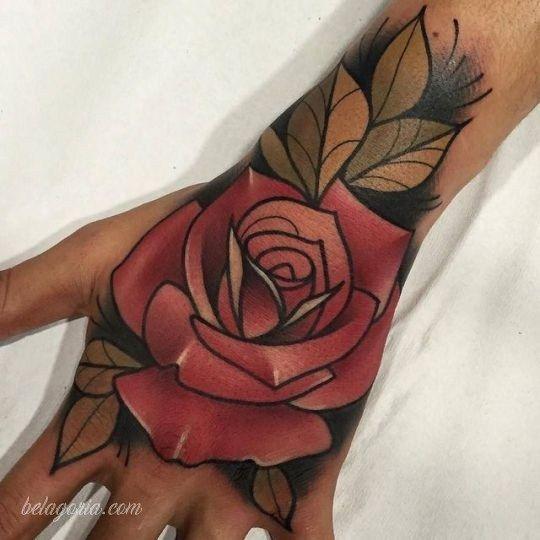 Tatuajes Para Chicas Y 50 Disenos Exclusivos Para Descargar Tatuajes De Rosas Rojas Tatuajes De Rosa Tradicionales Tatuaje De Rosa En La Mano