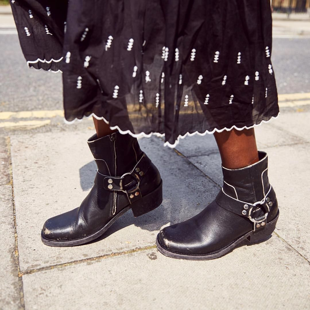 c6b95920cf5f n Brand  Balenciaga Desc  Santiago distressed boots