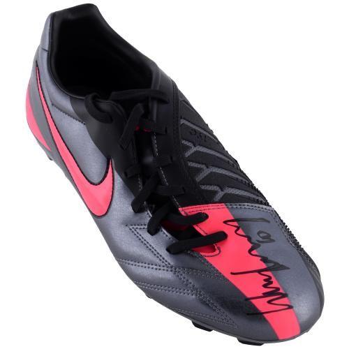estilo clásico una gran variedad de modelos nuevos productos para Wayne Rooney Autographed Nike T90 Pink/Gray Boot - Mounted ...