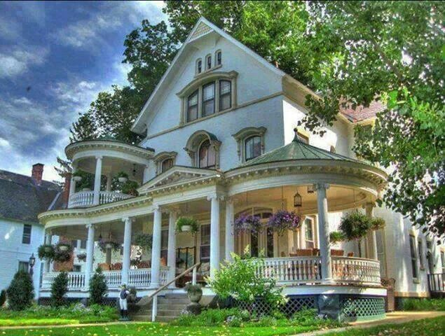 Beautiful Home With A Big Wrap Around Porch Victorian Homes Victorian Style Homes Old Houses