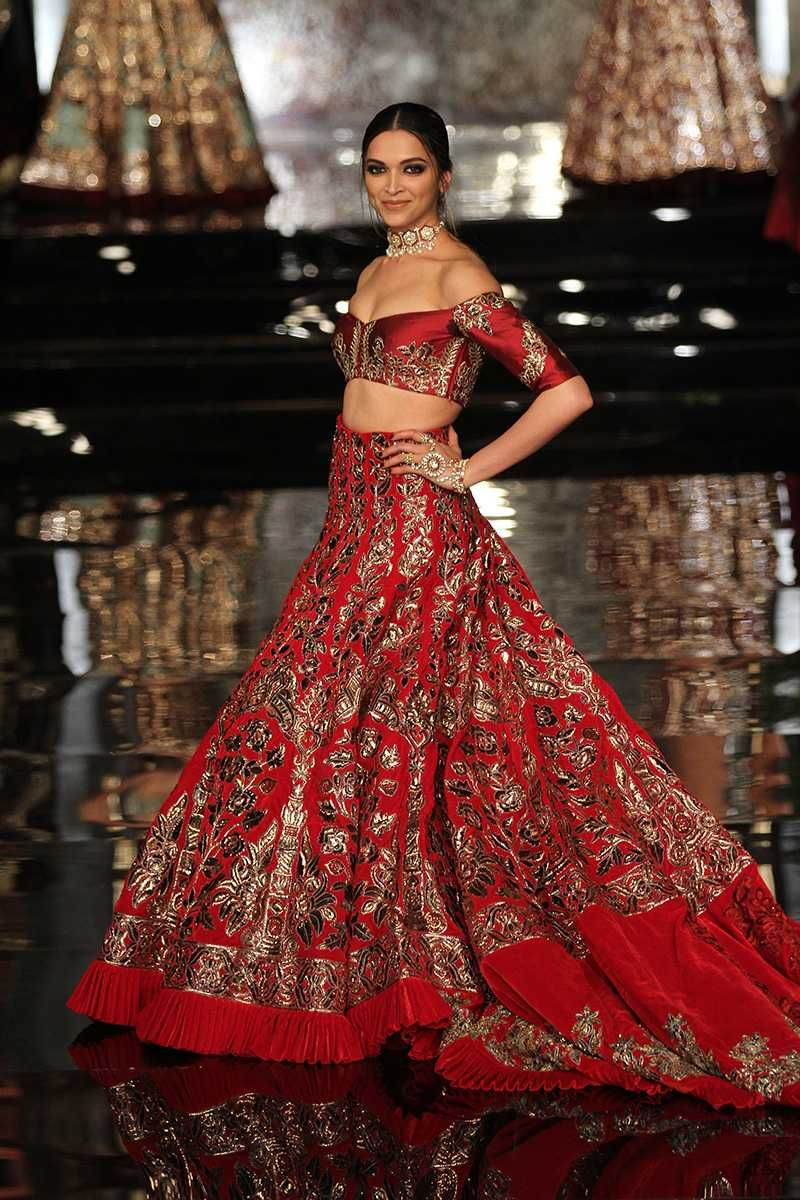 Top 10 Popular Best Indian Bridal Dress Designers Hit List Manish Malhotra Bridal Manish Malhotra Bridal Collection Indian Bridal Wear