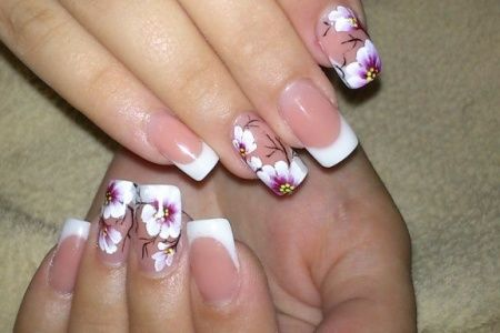 Маникюр с цветками 1