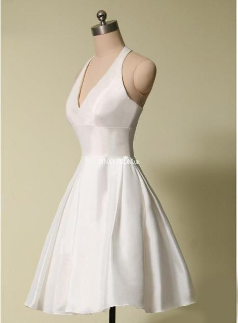 Marilyn Monroe inspired white halter prom dress | Gorgeous in White ...