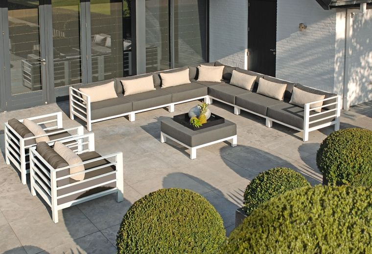Borek horizon design van marcel wolterinck. aluminium lounge met
