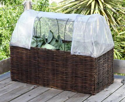 praktisches zubeh r f r balkong rtner garten m bel f r beete anpflanzen pinterest garten. Black Bedroom Furniture Sets. Home Design Ideas