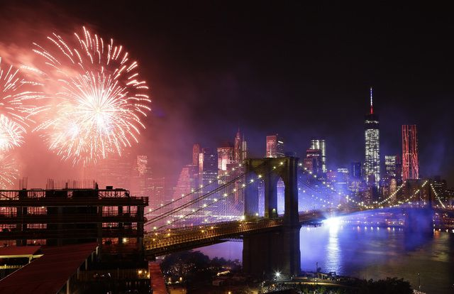 America celebrates Independence Day with fireworks shows - Galleries - MyNorthwest.com