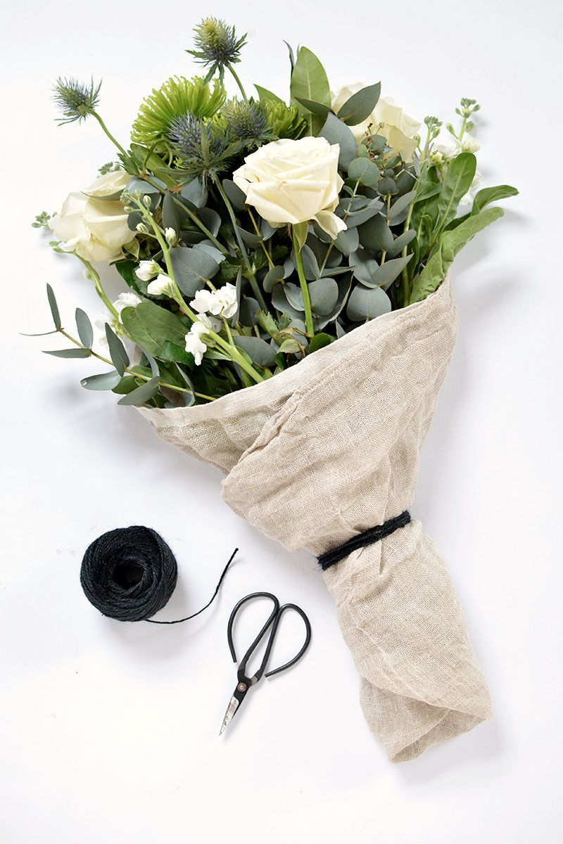 4 ways to wrap a flower bouquet How to wrap flowers