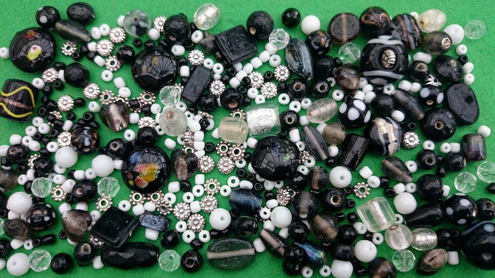 joblot beads lampwork black tibetan style flowers spacers mix white seed 4mm