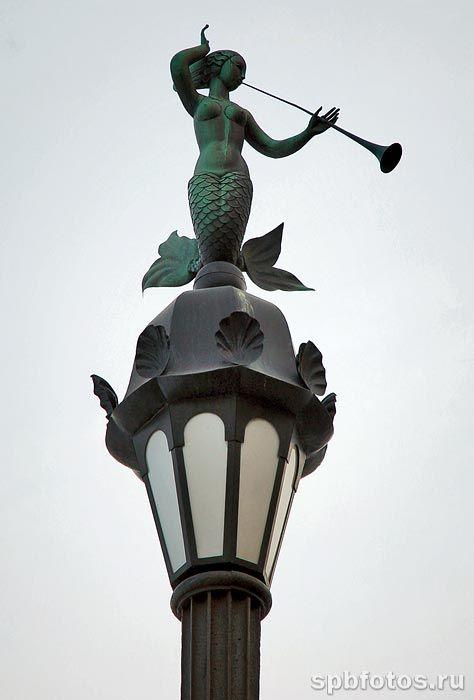 Фонарь на Мытнинской набережной