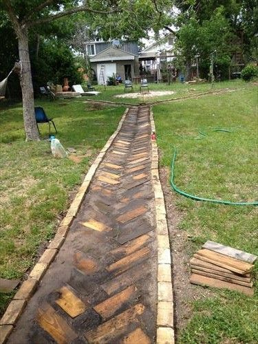 artistic yet unique pallet wood walkway - Sidewalk Design Ideas