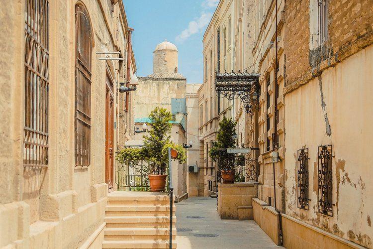 Baku Itinerary Two Days In Azerbaijan S Capital Travels Of A Bookpacker Baku City Baku Places To Visit