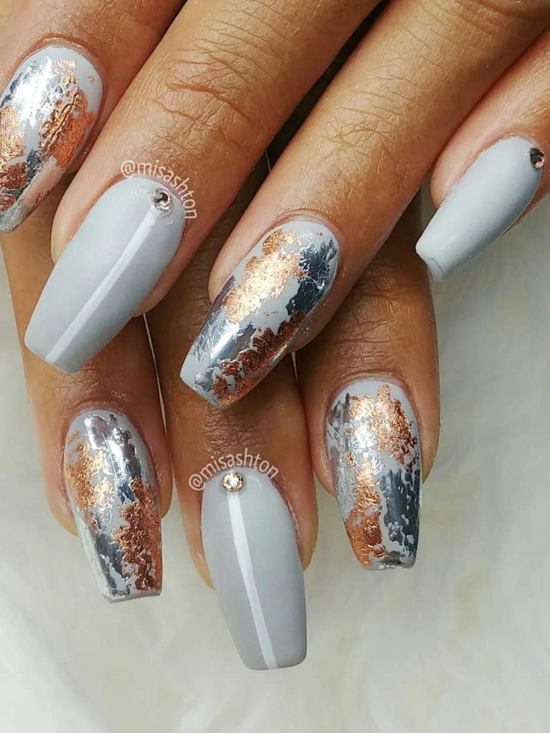 Amazing Rose Gold And Grey Foil Combo On Grey Coffin Shaped Nails Goldnails Rose Gold Nails Design Gold Acrylic Nails Gold Nail Designs