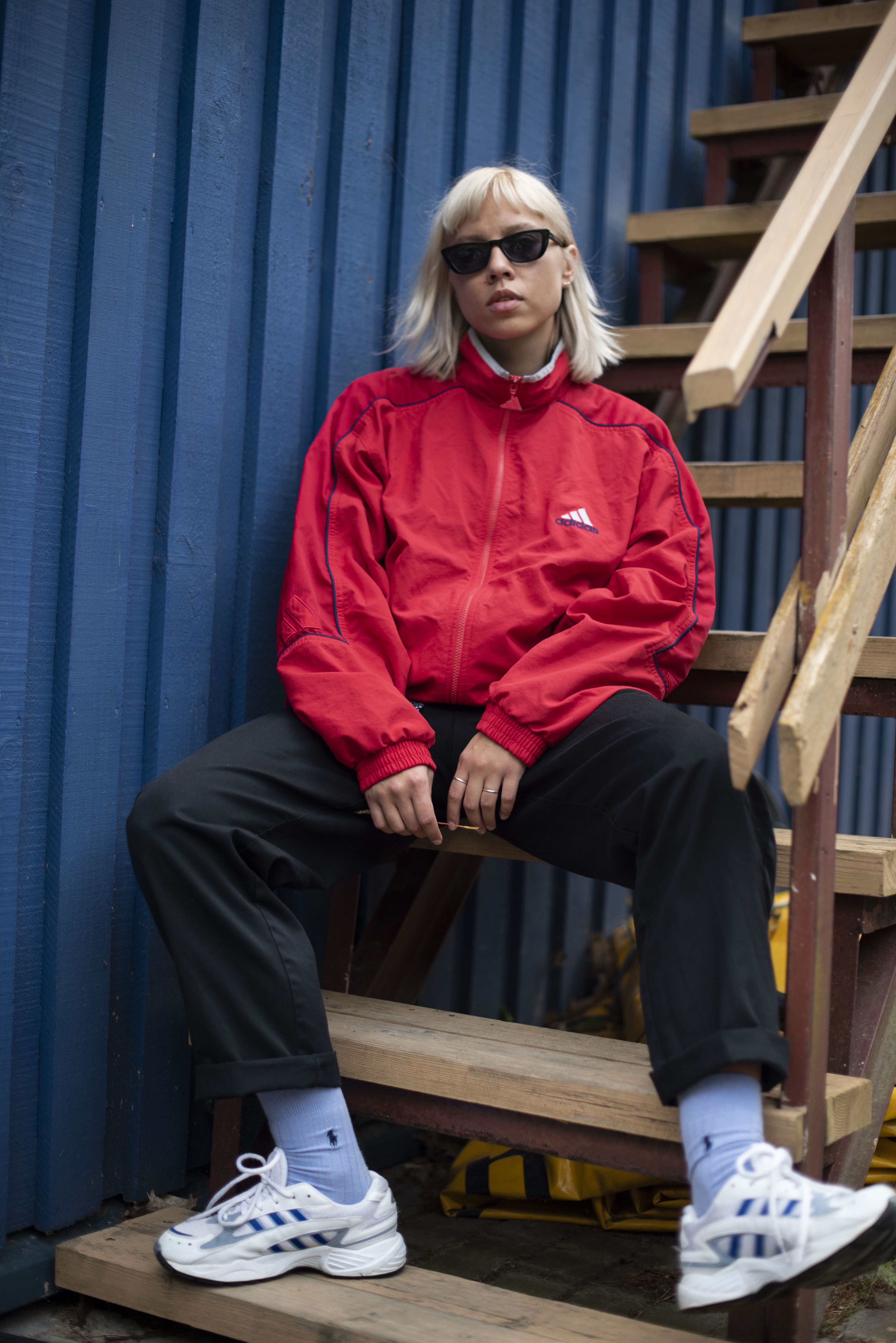 Adidas Red Vintage Windbreaker And Adidas Old School Sneakers 90s Streetwear Vintage Clothes Shop Vintage Outfits Sport Outfits