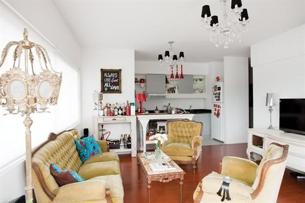 Claves para combinar muebles antiguos y modernos random for Ambientacion living comedor