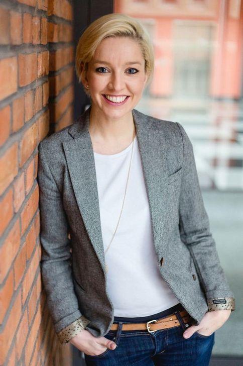 99 Wonderful Business Hairstyles Ideas For Women In 2019 Bewerbungsfoto Frau
