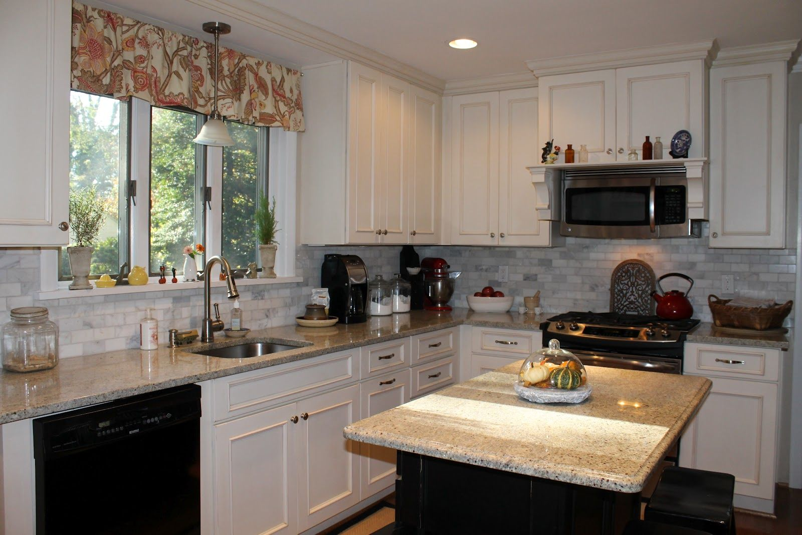 Lovely Black Shaker Kitchen Cabinets Good Ideas