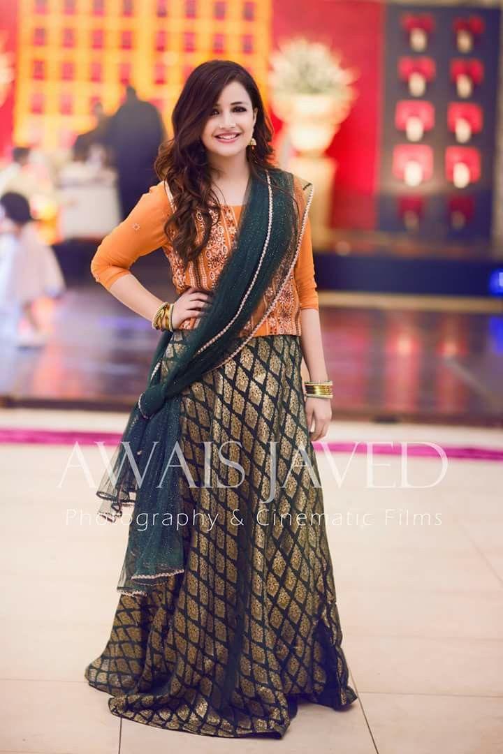 Pin von H. I auf Mehndi Brides | Pinterest
