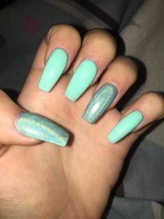looking for the perfect neutral acrylic nails design we