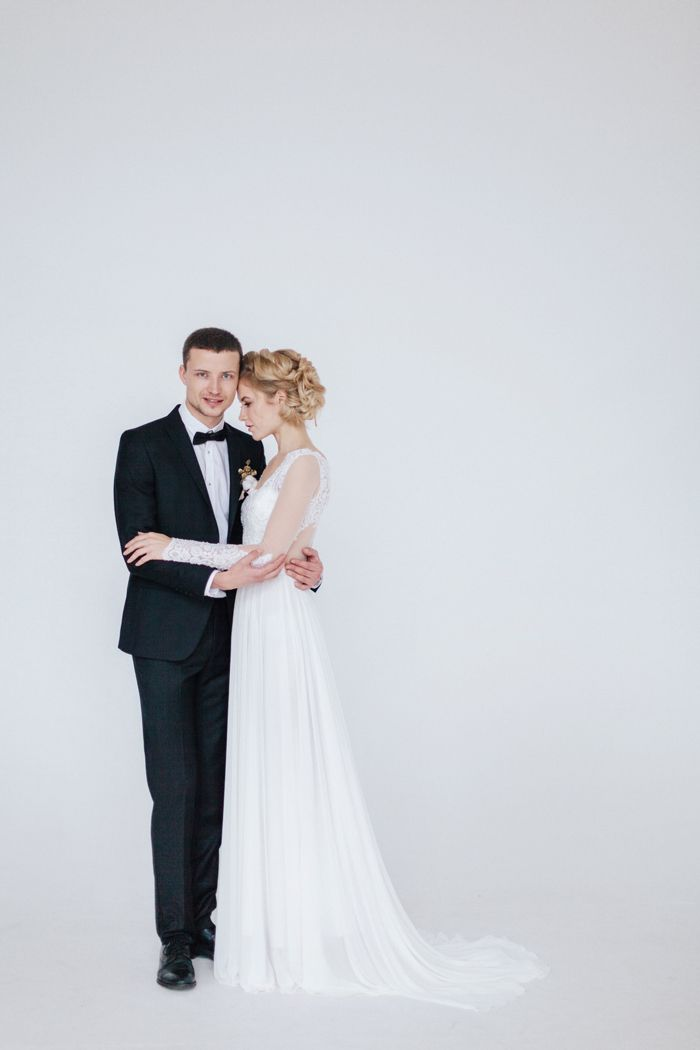 Gorgeous bridal and groom wedding photo| fabmood.com
