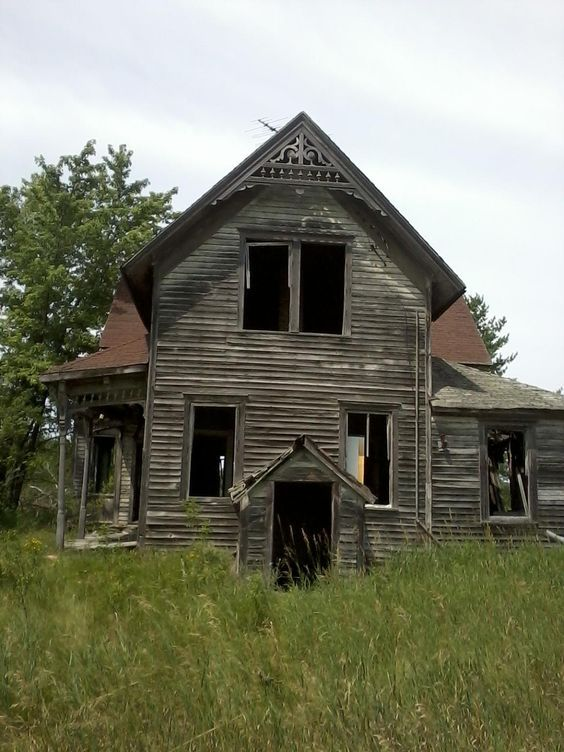 Wisconsin Forgotten Farmhouse