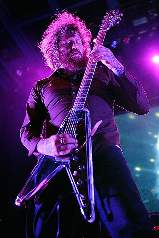 brent hinds of mastodon with his electrical guitar company egc flying v guitarparadise. Black Bedroom Furniture Sets. Home Design Ideas