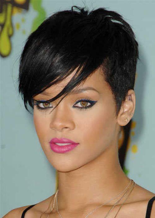 Rihanna Kurze Asymmetrische Frisur Rihanna Kurze Blonde Frisuren