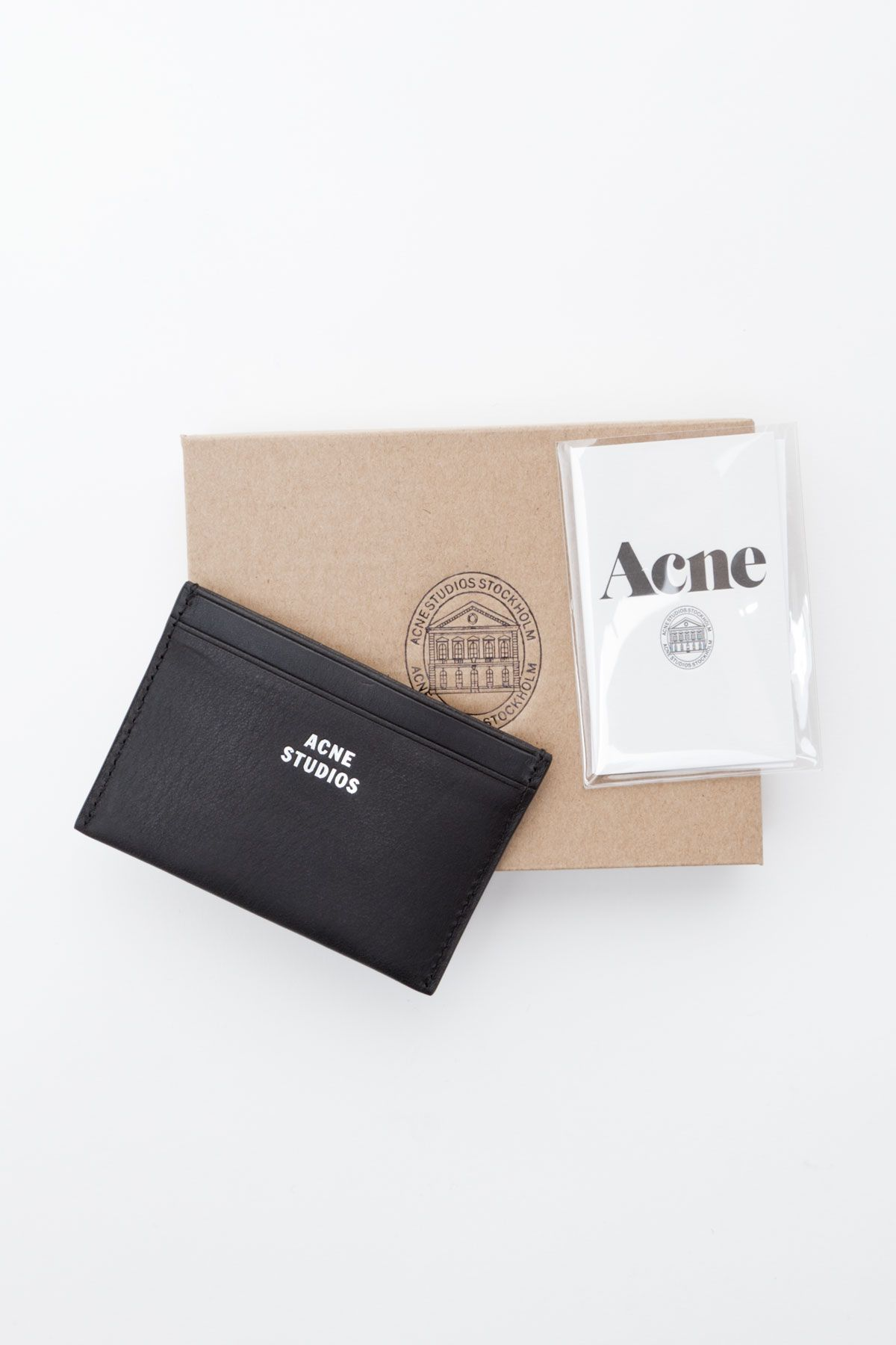 Acne Studios   Card Case  DearTopshop Conception Graphique, Mode, Blanc,  Conception D f48e9f8bf3d