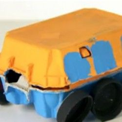 Make a bus out of an egg carton that kids can use to transport their toys around the house or garden!