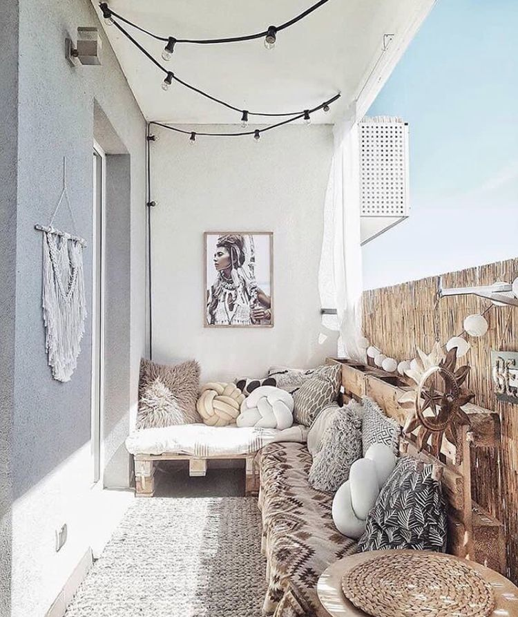 Stylish Balcony Decor Ideas: Industrial Lights Really Brake Up The Boho Style Of This