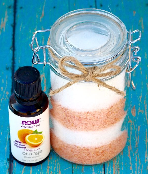 Nothing beats a leisurely bath after a long day! Pamper yourself with the invigorating scent of Creamsicle Swirl Orange Vanilla Bath Salts or give as gifts!