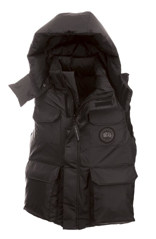 Canada Goose Alberta Vest.. sooo want this one. impossible to find, more or less;(