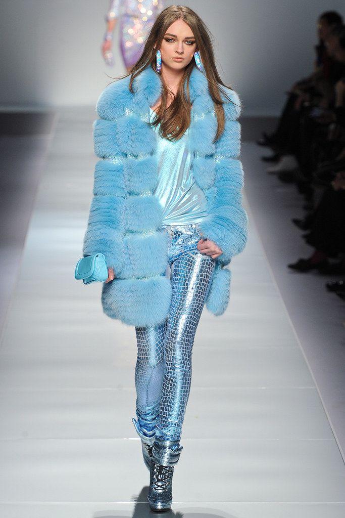 Blumarine Fall 2012 Ready-to-Wear Fashion Show - Daga Ziober