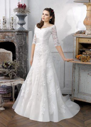 Organza Empire Scoop Half Sleeve A-line Lace Wedding Dresses